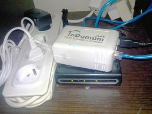 Un SheevaPlug connecté à un modem
